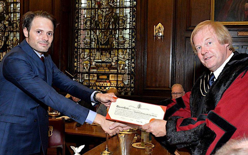 Raffaele Petrone ricevuto dalla guild of freemen